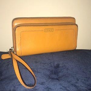 Coach Park Leather Double Accordion Zip Wallet